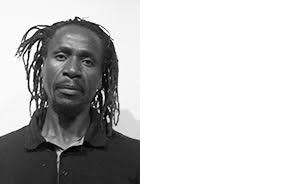 CALVIN DONDO ARTIST HARARE, ZIMBABWE Calvin Dondo est le directeur artistique fondateur de Gwanza, le mois de la photographie du Zimbabwe. Son travail se concentre sur des questions contemporaines qui affectent le monde et comment les gens essaient de résoudre leurs problèmes. Il tra-vaille actuellement sur des projets à long terme en mettant l'accent sur l'identité, la citoyenneté, la migration et l'amour. Dondo a exposé dans des biennales, des galeries et des foires d'art à travers le monde au cours des 20 dernières années.