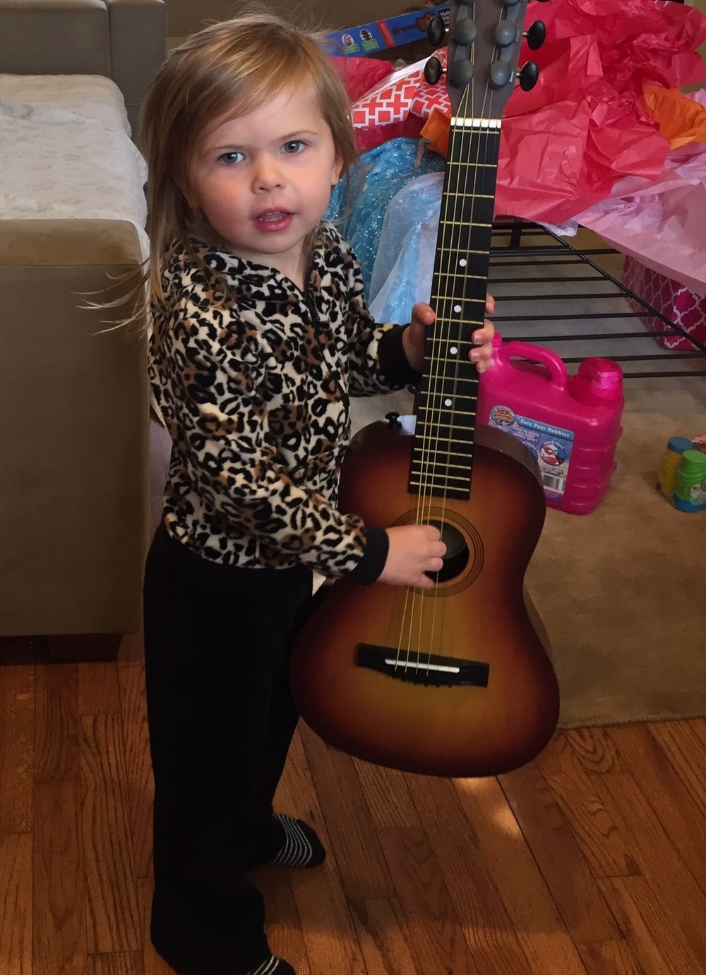 Willa finally gets her guitar!!!