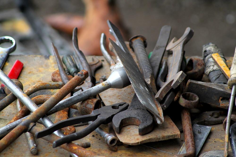 Rusty_tools.JPG