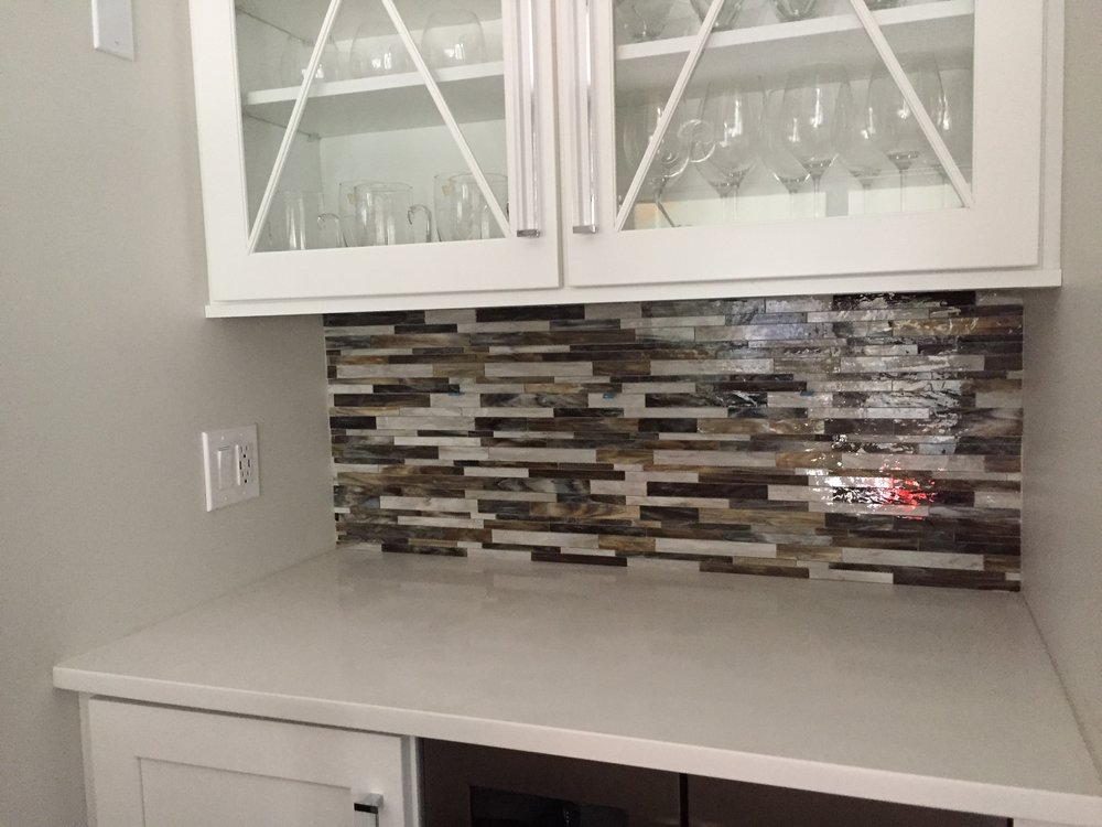 BAR - Snow White Quartz 3cm countertop with bliss Glass Mosaic Backsplash