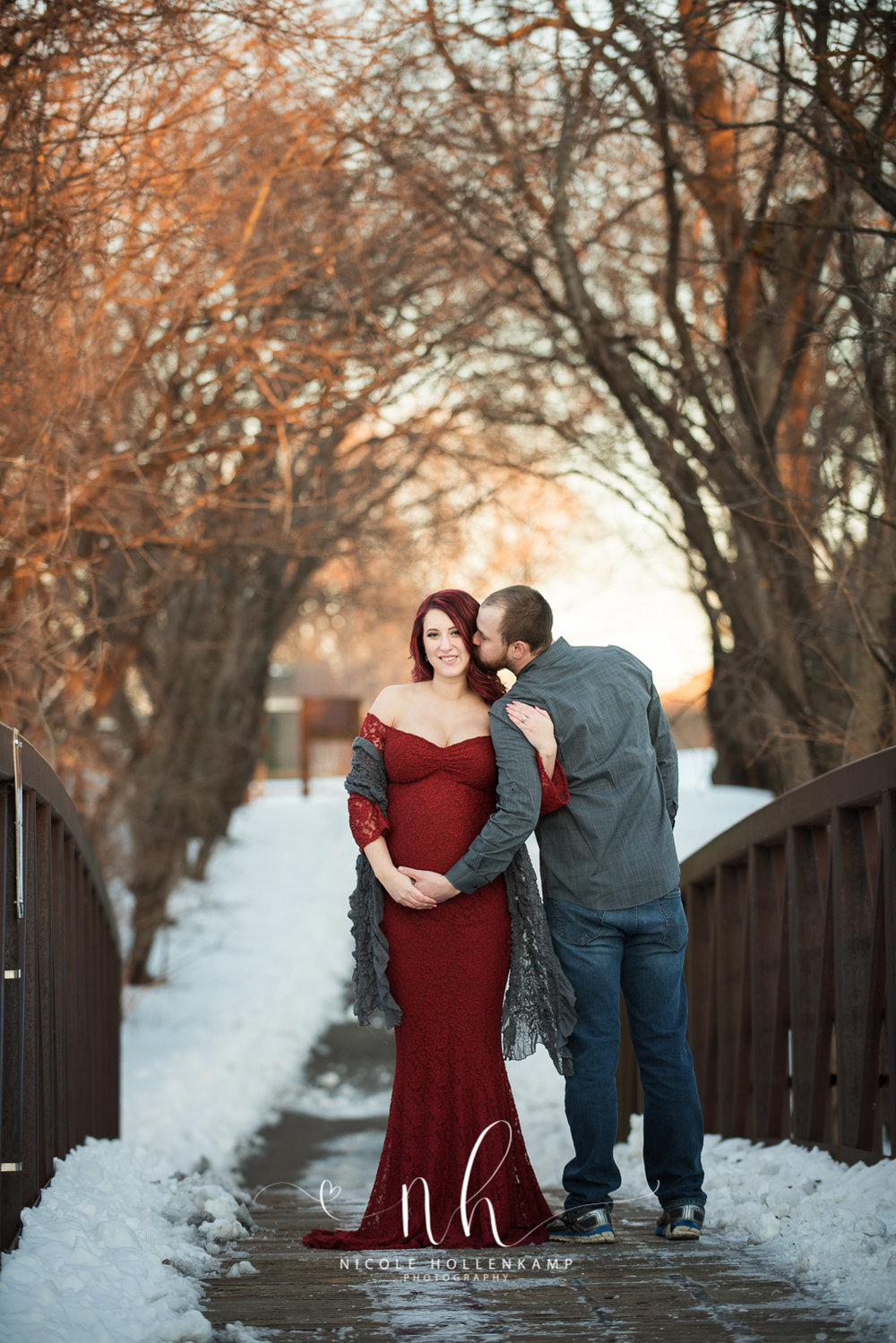 Digital Maternity Session  - just $395.00 + tax