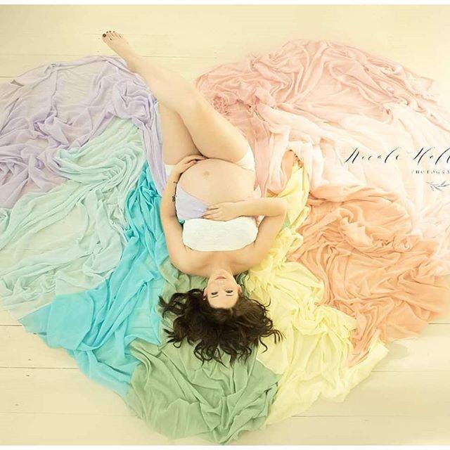 #maternity #studiophotography #minnesotamaternityphotographer #rainbowbaby #rainbowbaby🌈 #pregnancyphotoshoot #maternityphotography