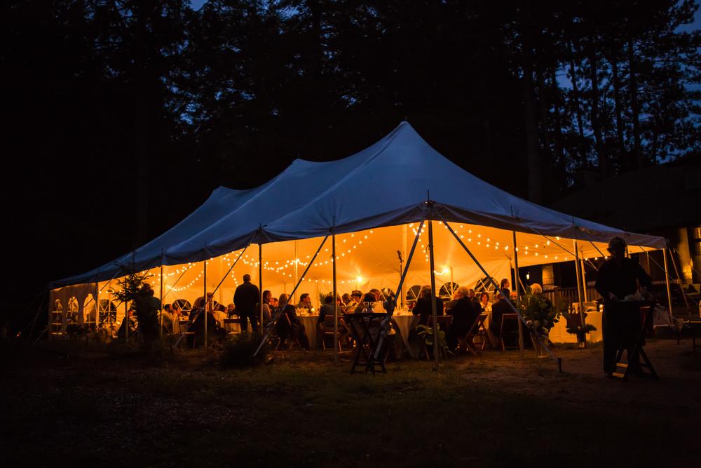 northern_light_fall_wedding_tent