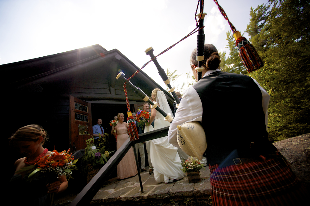 scottish_bagpipes_wedding_chapel