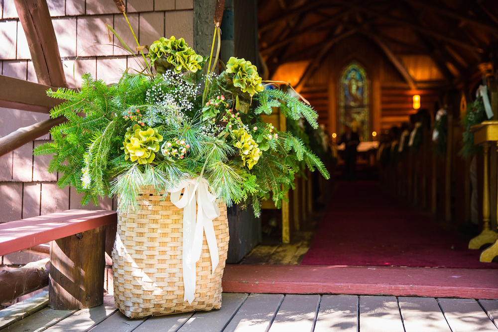 adirondack_pack_basket_wedding_flowers