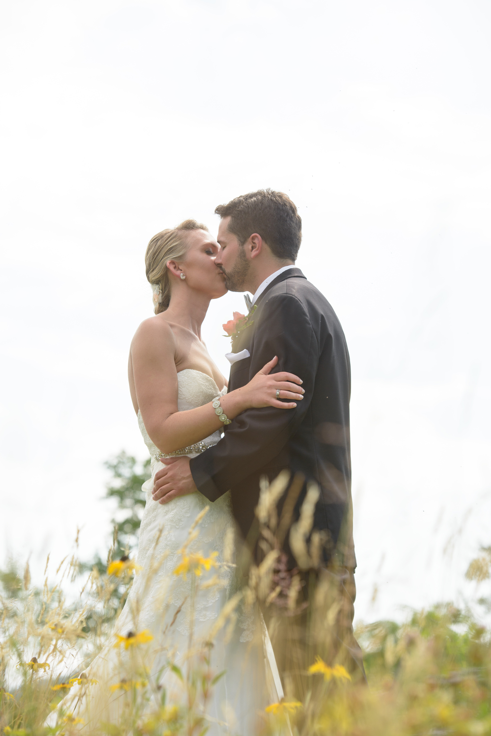 bride_groom_wildflower_field_vermont