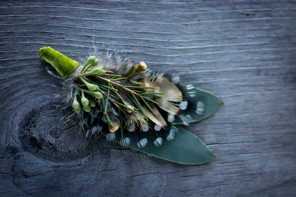grooms_feather_boutonniere