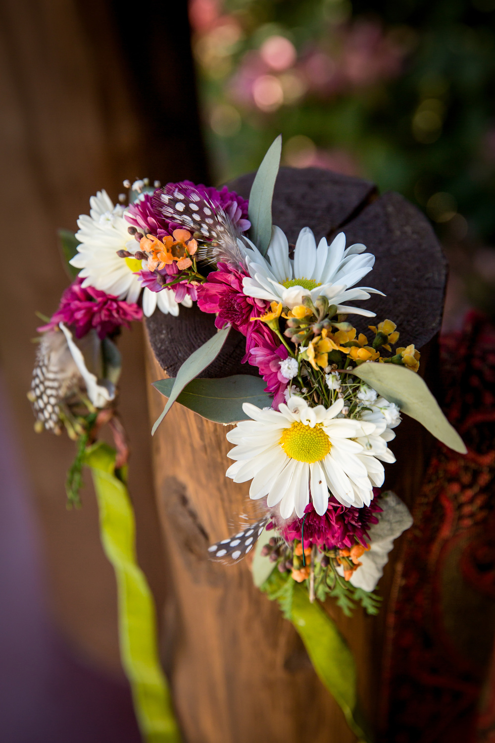 adirondack_wedding_wildflowers_feathers