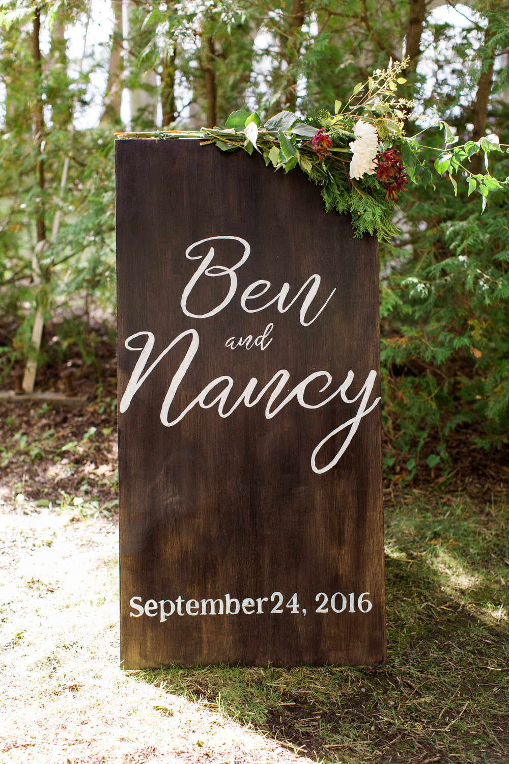 adirondack_wooden_wedding_welcome_sign