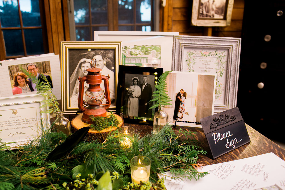 vintage_wedding_memory_table