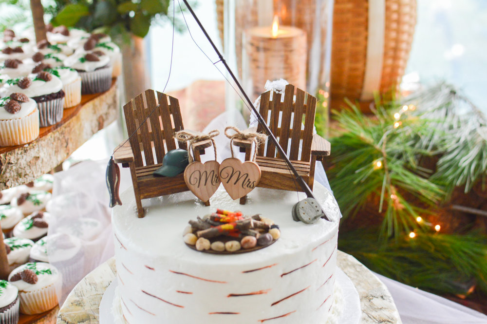 adirondack_chair_wedding_Cake