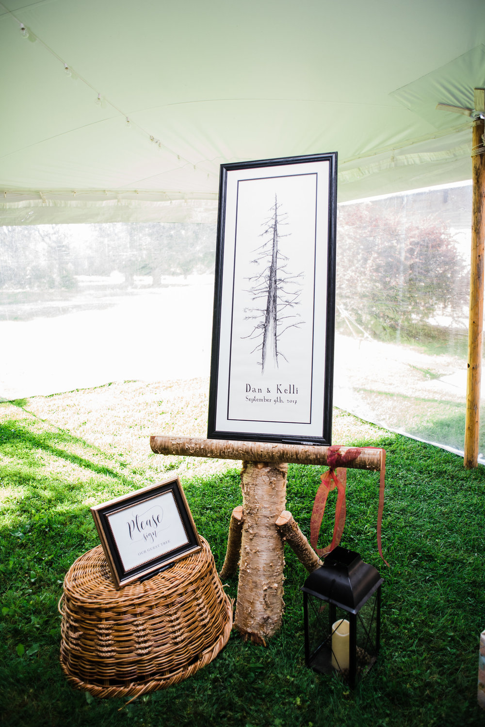 birch_log_wicker_basket_wedding_signs.jpg
