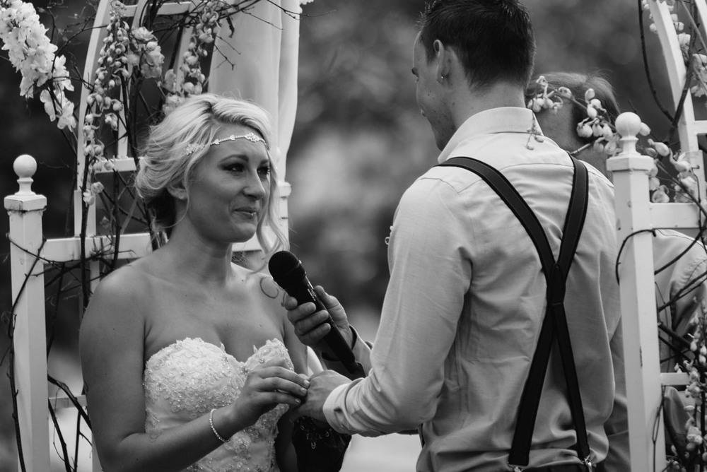 minnesota-barn-wedding-photographer.jpg