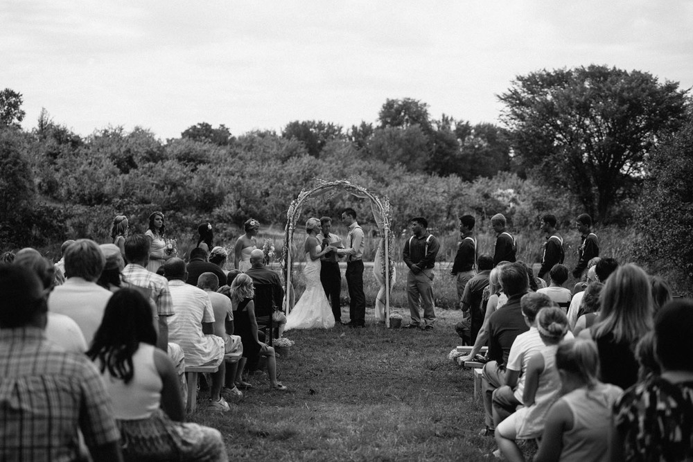 minnesota-barn-wedding-photography.jpg