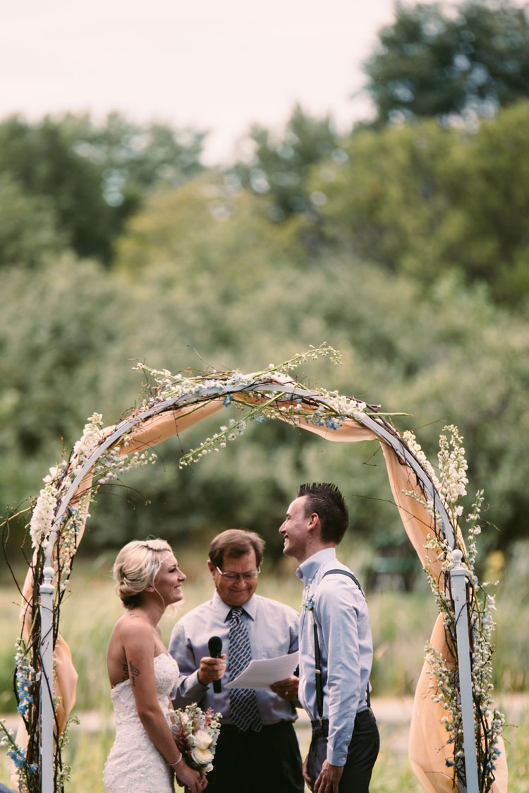 outdoor-minnesota-wedding.jpg
