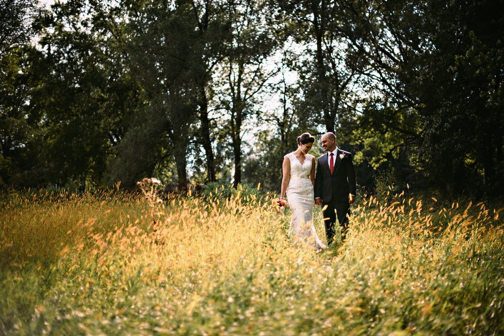 farm-wedding-minnesota-photographer.jpg