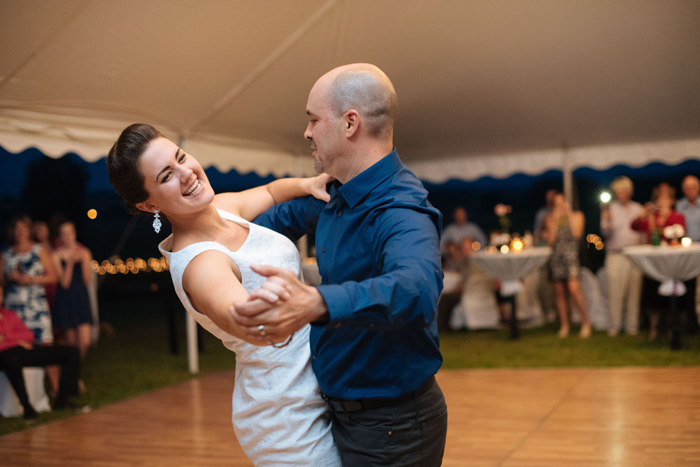 outdoor-wedding-reception-minneapolis-wedding-photographer.jpg