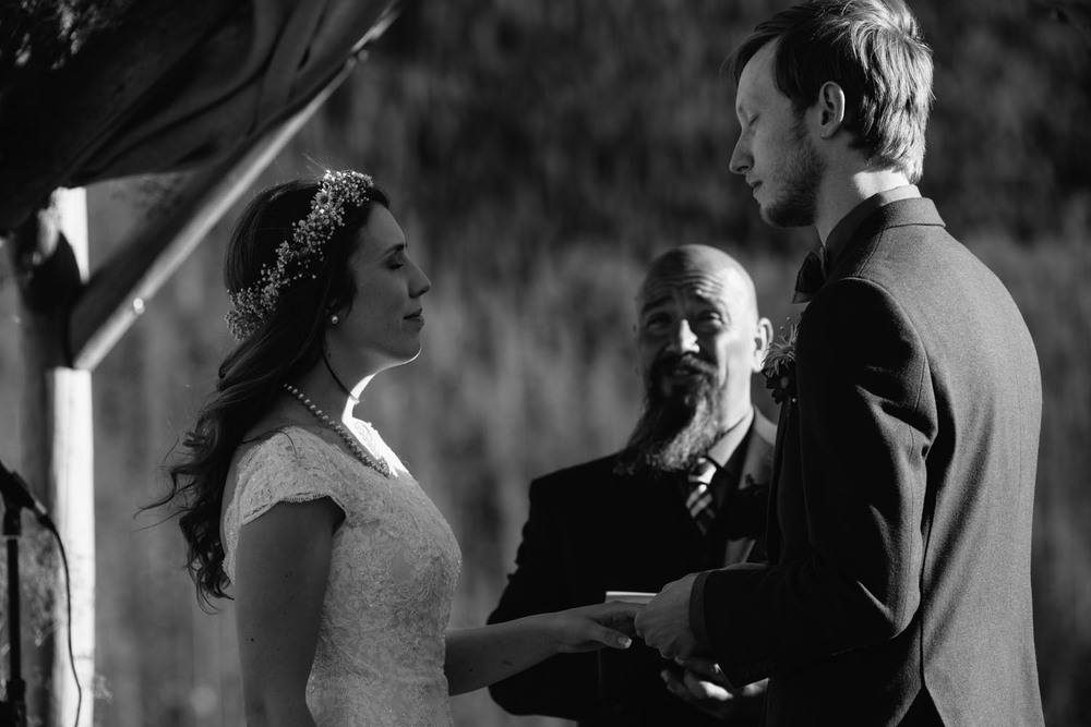outdoor-wedding-photographer-minnesota-3.jpg
