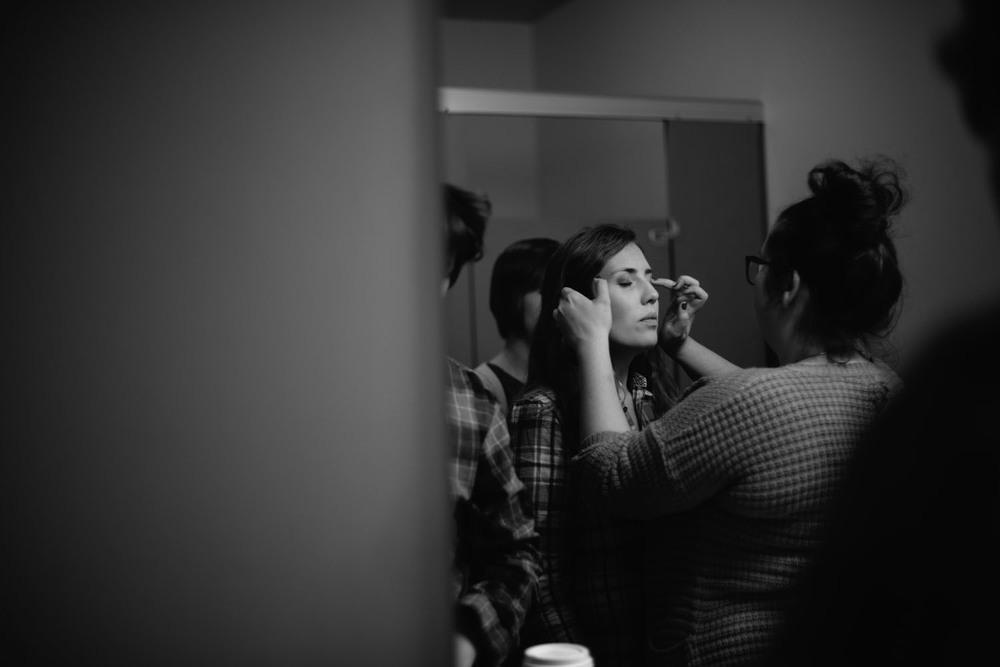 getting-ready-bridal-photographer.jpg