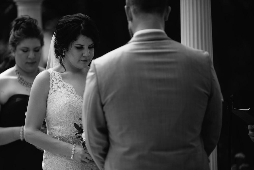 heartfelt-wedding-photographer-minnesota.jpg