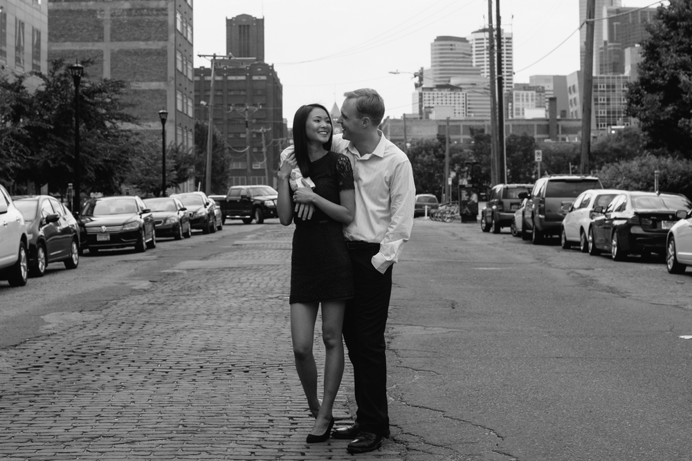 minneapolis-engagement-photographer-1-6.jpg