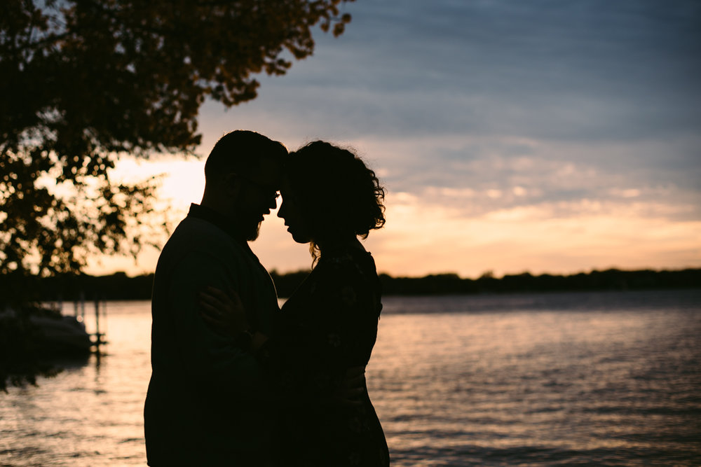 minneapolis-engagement-photographer-1-4.jpg