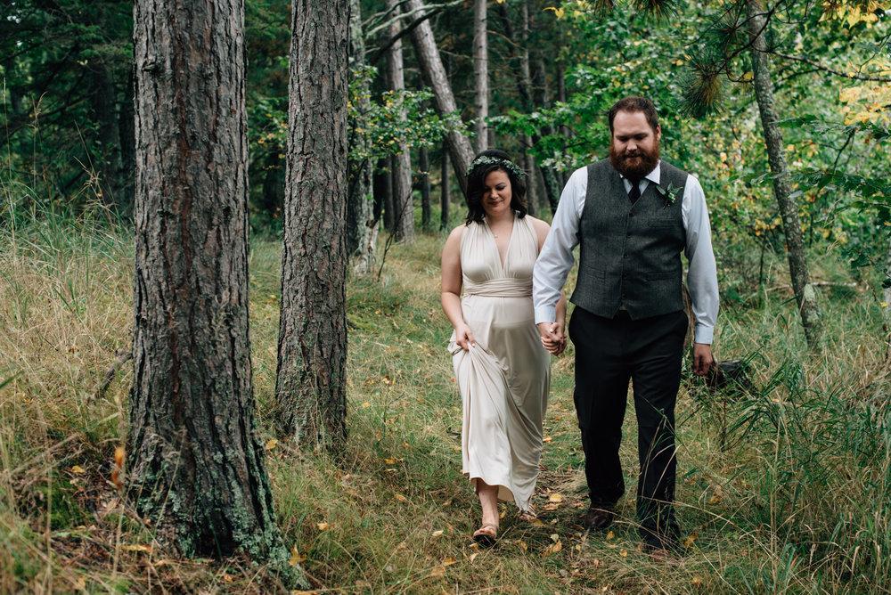 brainerd-cabin-wedding-photographer-1-20.jpg