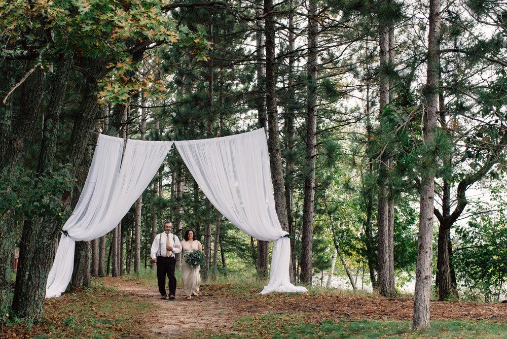 brainerd-cabin-wedding-photographer-1-67.jpg
