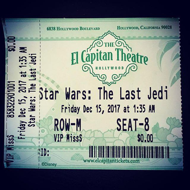 You read that right...1:30am and completely worth it  #starwars #thelastjedi #rey #kyloren #lukeskywalker #theforce #jedi #leia #elcapitantheatre  #bb8