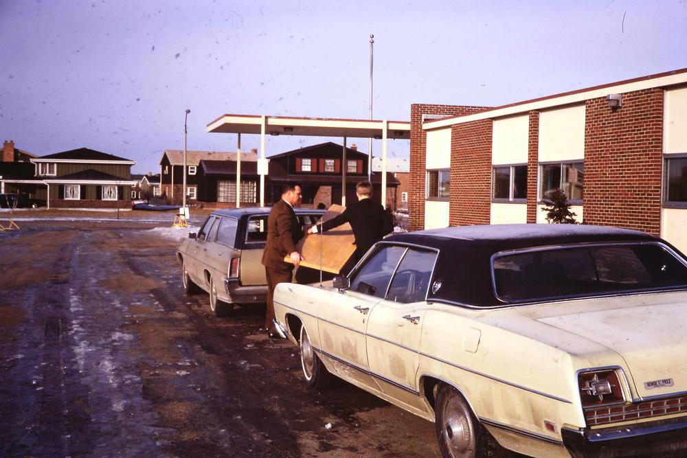 Feb 7, 1971 First Worship Virginia Lake School.jpg