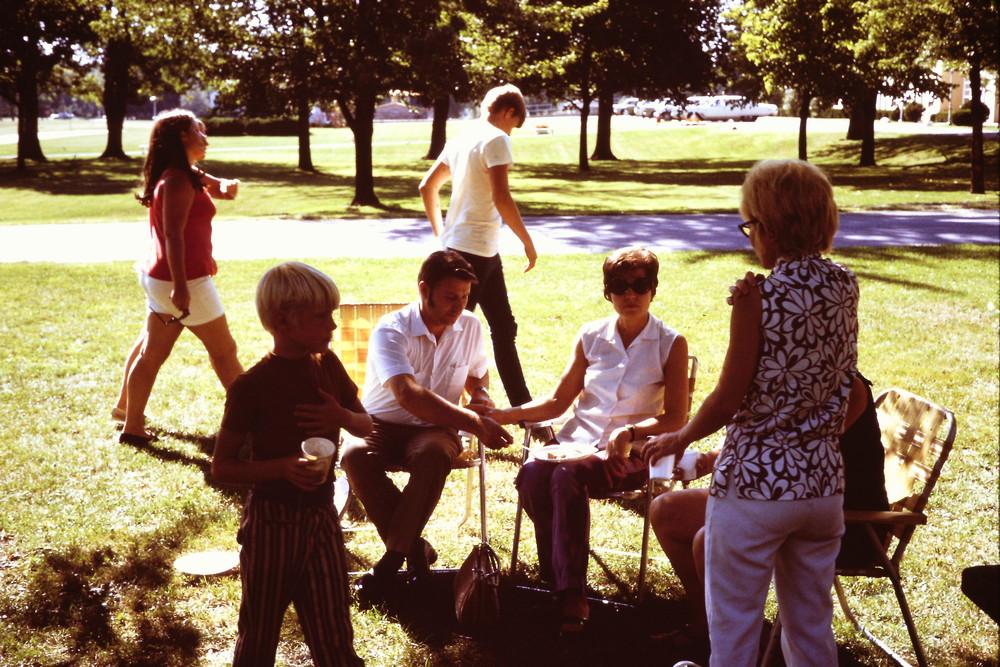 Sept 1971 POP Picnic at LHSA (3).JPG