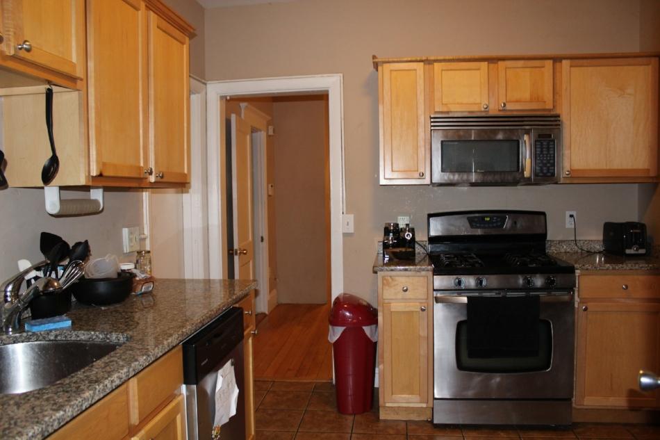 42 Park Vale kitchen.jpg