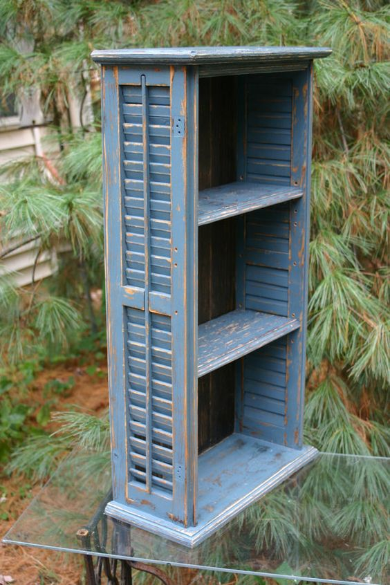 Shutter Bookshelf - Photo credit: SweetiesAttic