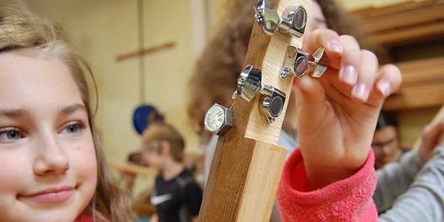 3-String Girl w Tuning Pegs 2-1.jpg