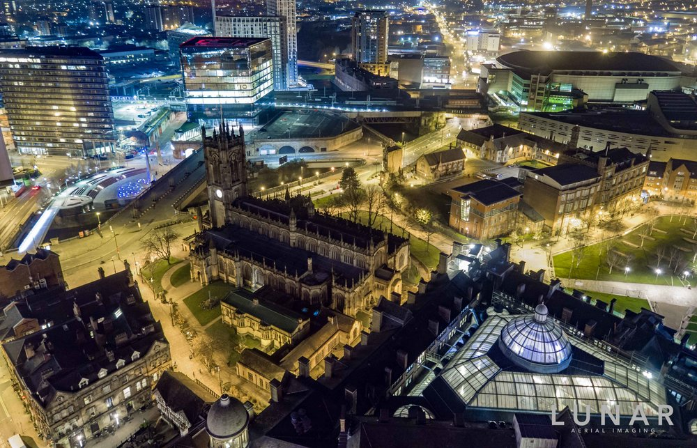 Night aerial photo Corn Exchange, Manchester Cathedral and Exchange Square, Manchester