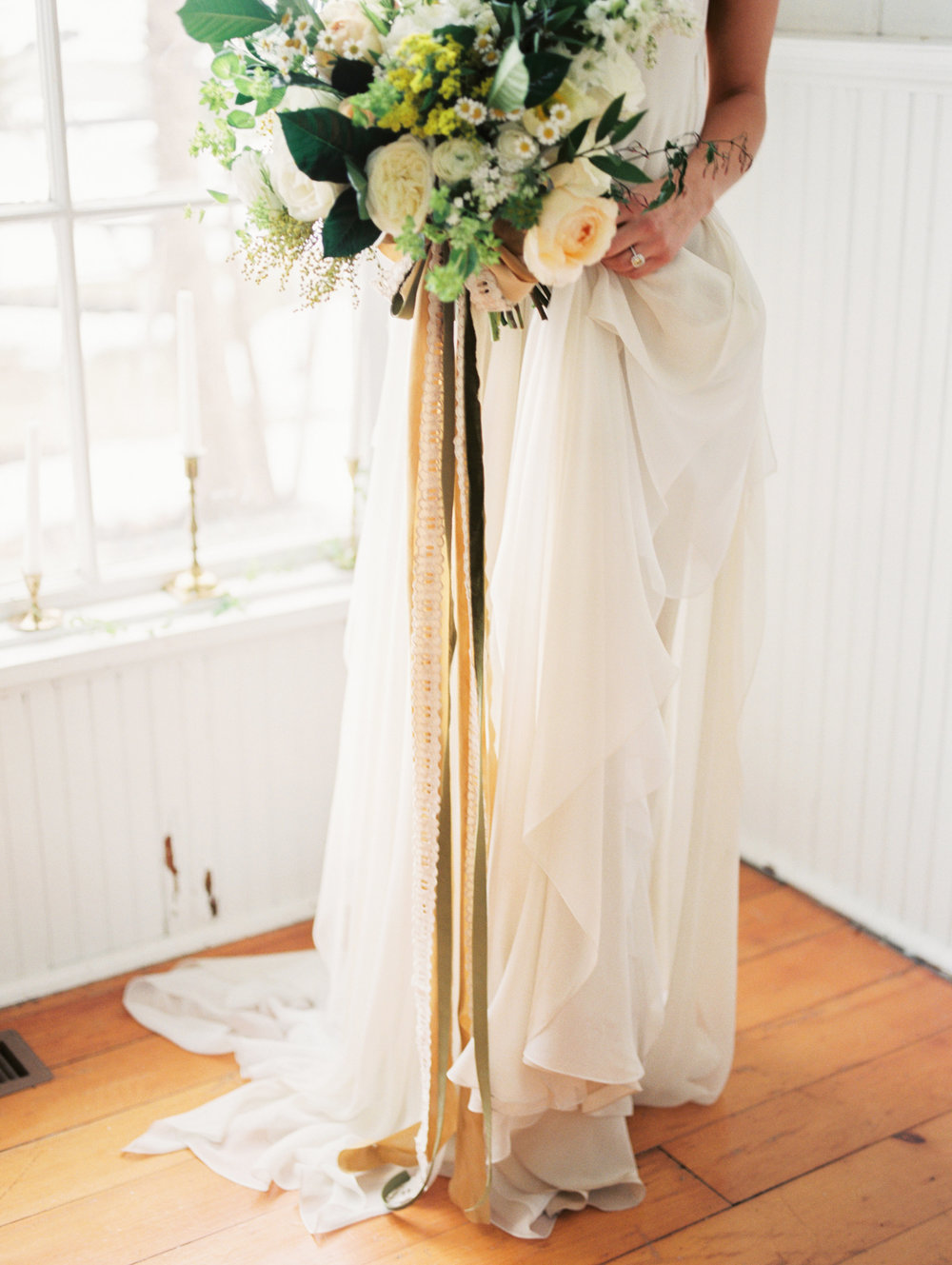 yellow and white wedding bouquet.jpg
