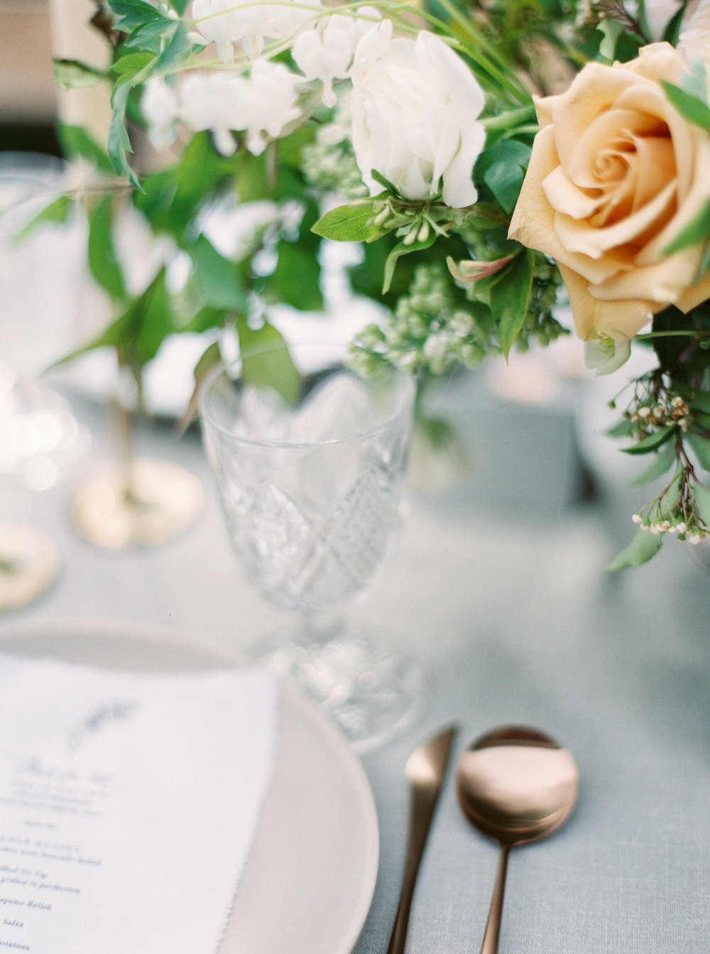 garden rose wedding centerpiece.jpg