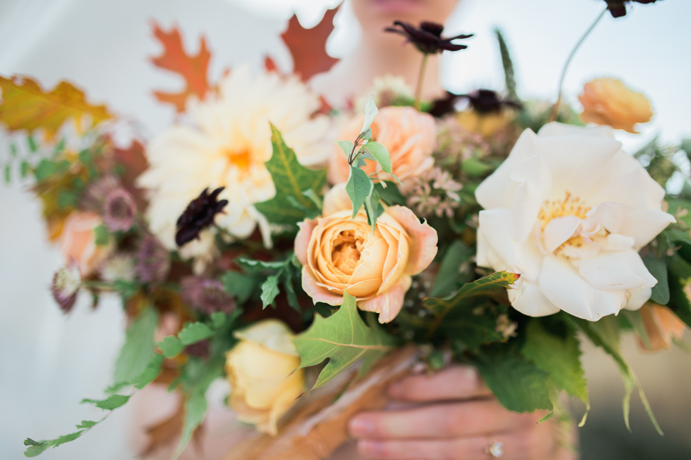 fall colored wedding flowers.jpg