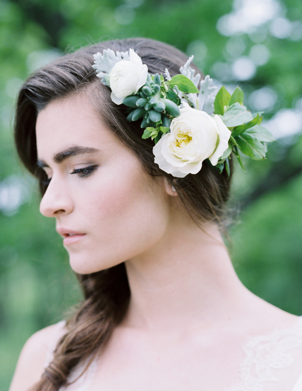 green succulent and white rose fresh floral wedding hairpiece by Foraged Floral in Portland, Oregon
