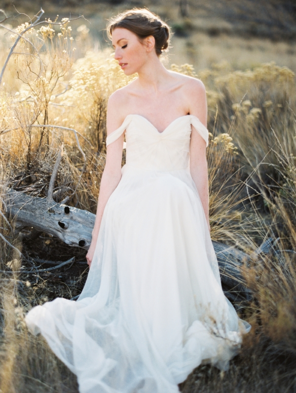 Film wedding and bridal portrait ideas at Smith Rock, Oregon