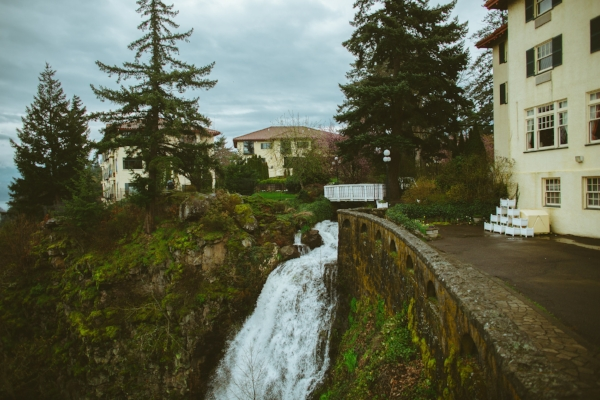 columbia gorge hotel wedding in March
