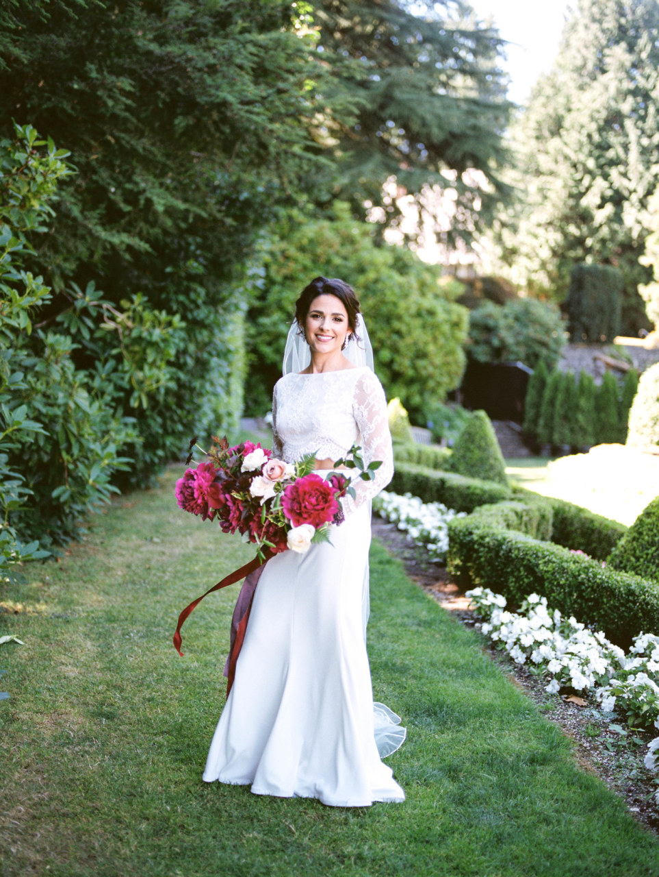 fine-art-wedding-florist-foraged-floral-lewis-and-clark-college-wedding-with-red-flowers.jpg