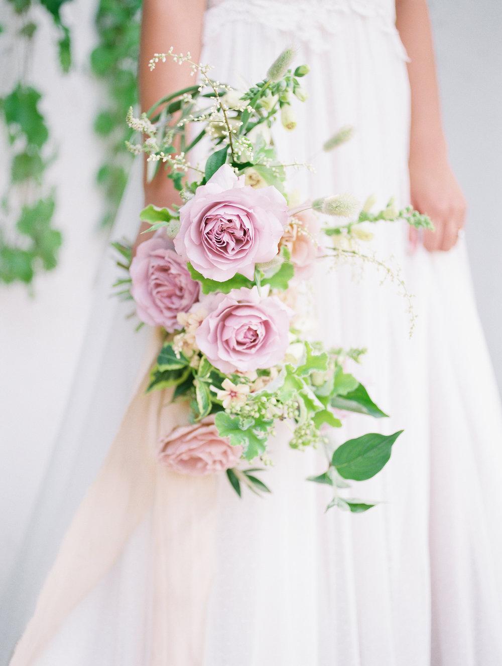 oregon wedding florist, foraged floral, lavender garden rose bridal bouquet for summer wedding at monet vineyards.jpg