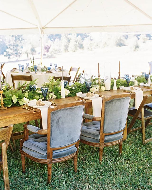 I don't think I'll ever get tired of the long, farm table set up for wedding receptions. Communal tables will always be a favorite! ⠀⠀⠀⠀⠀⠀⠀⠀⠀ photo @shelleykphotography  flowers @foragedfloral  coordinator @greatdayevents