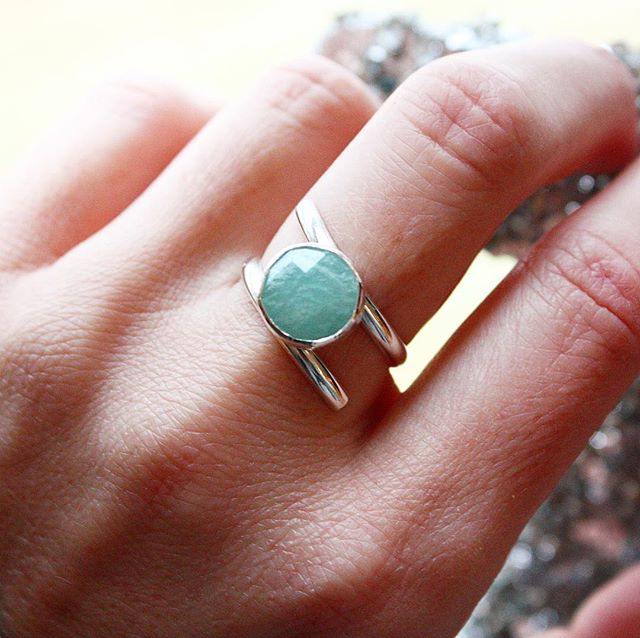 🌟SURPRISE LISTING🌟 Surprise! I just dropped two stunners for all you last minute shoppers! 🤗🎄🌟🙈 This gorgeous ring fits like a 7.5-8 and features a stunning rose-cut amazonite stone. I'm calling this unique band style the Wrap Me Up ring, because it kind of snuggles your finger and is super comfy for everyday wear! Link in bio, and choose priority shipping for your fastest option! . . . #ladysmith #silversmith #gift #jewelry #christmas #holidays