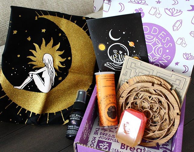 WOW. This month's @goddessprovisions box is AMAZING! I don't know how they come up unique ideas month after month after month, but they do! This month's box is filled with goodies from the edible variety (hello dark chocolate) to toiletry (Crystal soap, WHAAAAT!), but I think the biggest showstopper this time is the MOON GODDESS and GALAXY PILLOWCASE! I cannot wait to strip down one of my throw pillows and use this case on it! So stinking gorgeous!!!! @goddessprovisions you have done it again! Thank you for brightening up my snowy February with some zesty warm orange hues and unique gifts. 🤗🌌🌈💗💛 #goddessbox #goddess #metaphysical #love #gift #subscriptionbox #witchy #positivevibes