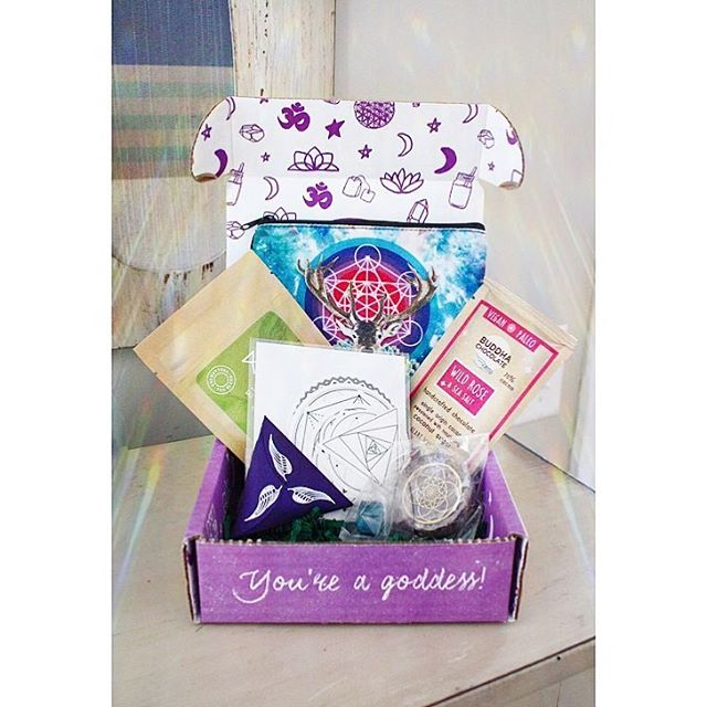 March #goddessbox Roll Call! 💁🏻‍♀️ This month's box brings more goodies and makes me feel so ready for sacred spring energy! My absolute favorite in this Goddess Provisions box are the rainbow symphony sun catcher decals!! I LOVED mine from a previous box and I'll be redecorating a room in my house pretty soon *hint hint* and I feel like these will be perfect! The chocolate smells dreamy... and there's a cosmic collage pouch in here for all of my goods! I am loving this box!!! Be in touch to subscribe! 🥰 #metaphysical #affirmations #sacredgeometry #love #goddessprovisions