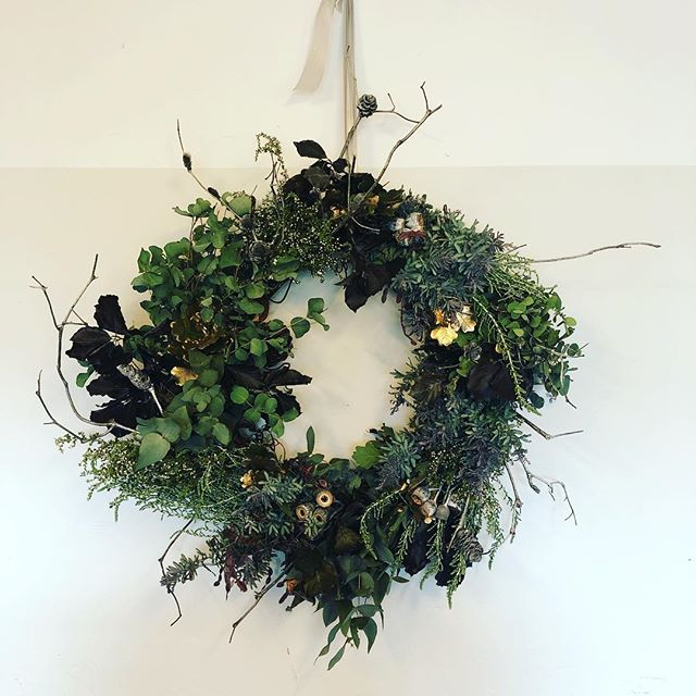Wishing you all a safe and happy Christmas from LXN Architecture. . Thank you to all our clients, collaborators, contractors and consultants for a wonderful and crazy 2018. . Our offices will be closed until 07 of January 2018. . Christmas wreath by the extremely talented @thelonehydrangea - thanks Phoebe 😊 . #merrychristmas🎄 #happynewyear #holidays #joy #funtimes