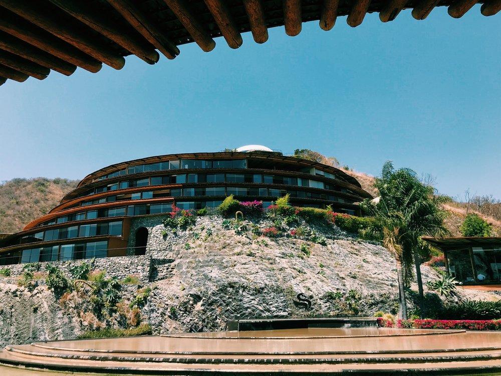 elsantuario_resort_entrance.jpg