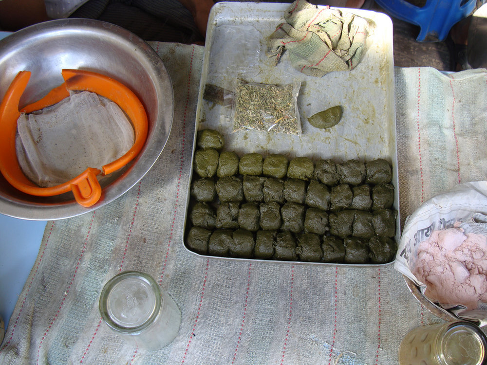 The preparation of bhang is very time-consuming © Reuben Strayer / Flickr (Culture Trip)